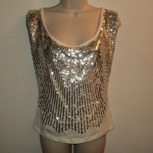 💥HP💥Alice + Olivia Top Sz L Silver Sequin Front